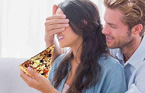 婚約指輪をピザに置き換えたら07