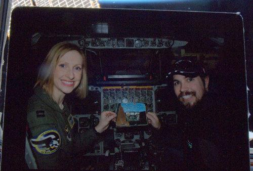 宇宙から妻と一緒に撮った写真02
