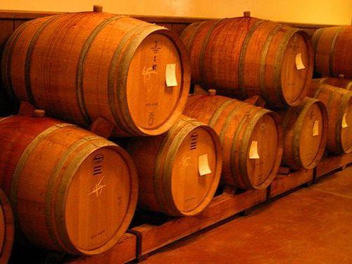 ワイン樽から作った家具00