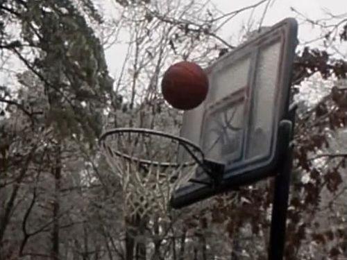 極寒の日にバスケが難しい理由01