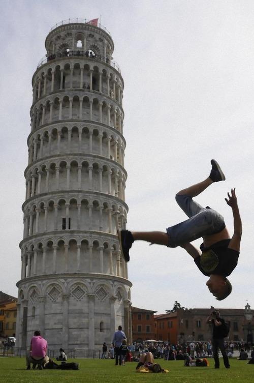 ピサの斜塔の記念写真は進化していた05
