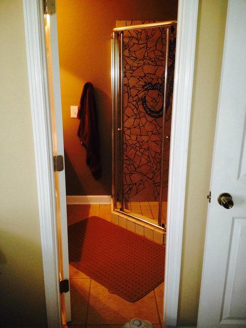 シャワー室の平凡なタイルをクールなデザインに09