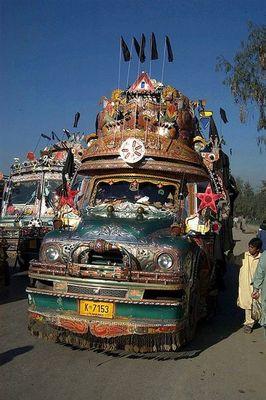 パキスタンのデコトラ07