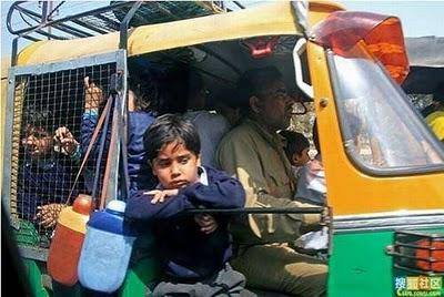 インドのスクールバス13