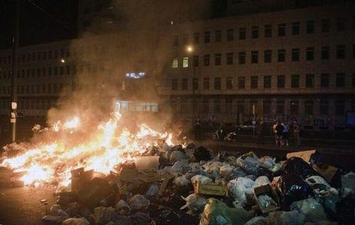 ゴミの街ナポリ08