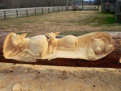 チェーンソーで木彫り05