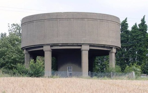給水塔を自宅にリフォーム01