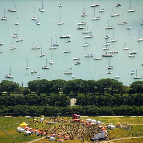 この写真、船が浮いてるように見えるよね?01