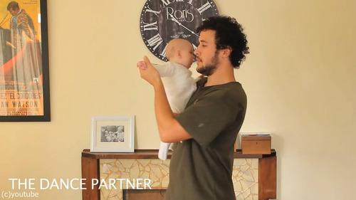 「赤ちゃんの抱き方」10
