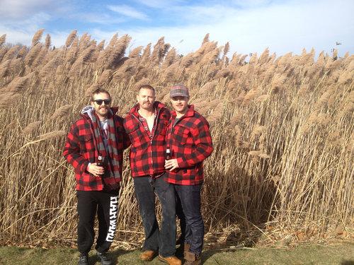 カナダの小さな町のバーのファッション05