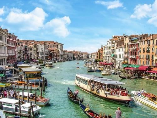 宇宙から見たベネチア運河00