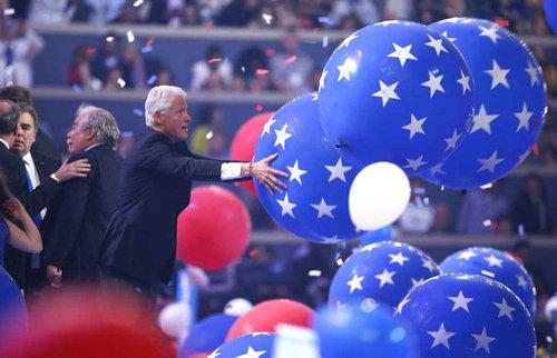 ビル・クリントンはバルーンが大好き08