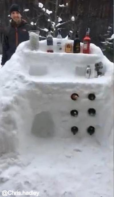 お酒好きの雪遊び03
