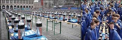 コーラの炭酸を1500人同時に噴水のように吹き上がらせる01