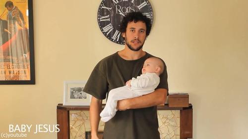 「赤ちゃんの抱き方」04
