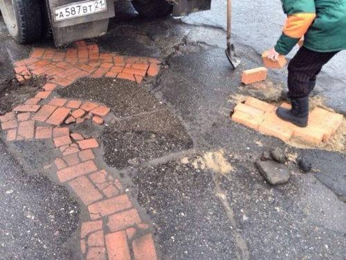 ロシア流の道路補修03