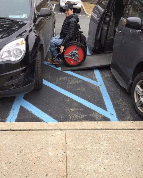 障害者用駐車場01
