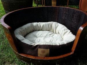 ワイン樽から作った家具04