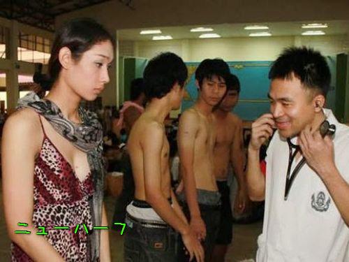 タイの徴兵検査とニューハーフ00