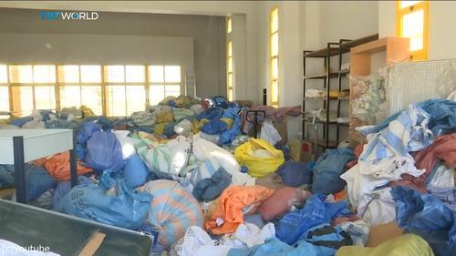 8年間ブロックされていた10トンの郵便物がパレスチナに05