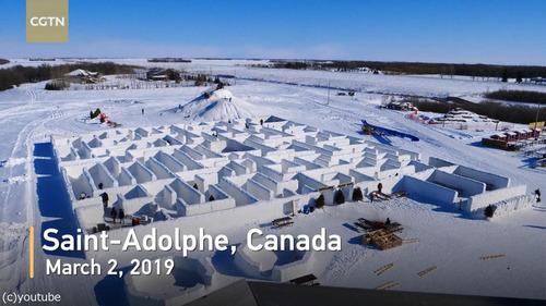 カナダに巨大な雪の迷路01
