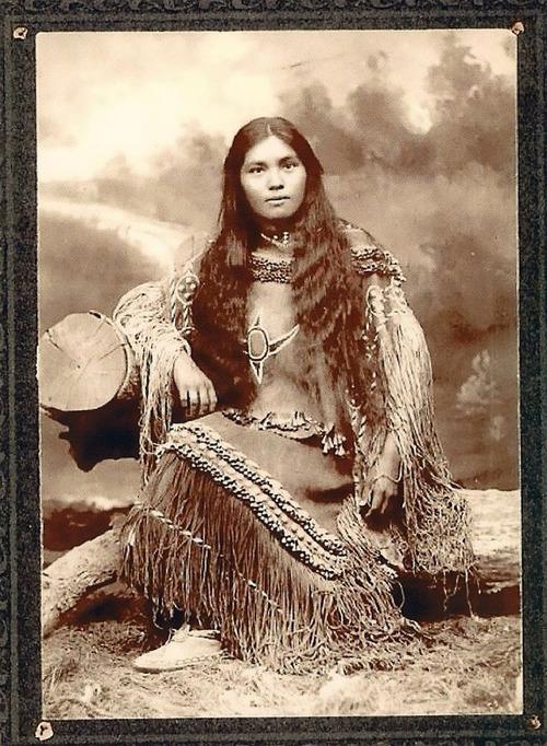 アメリカ先住民の女の子たち11
