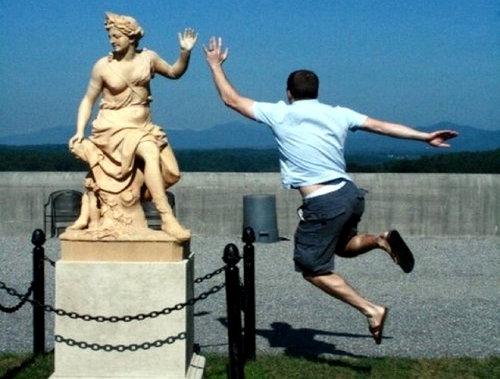 銅像の間違った楽しみ方05