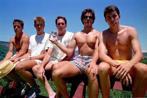 5人組が5年ごとに30年同じ写真02