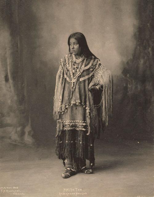 アメリカ先住民の女の子たち01