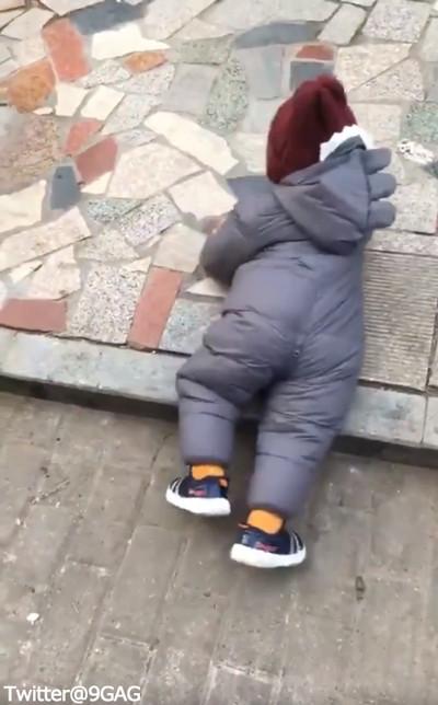 赤ちゃん「転ばぬ先の杖」05