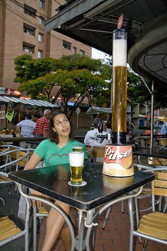 コロンビアの巨大ジョッキ・ビール