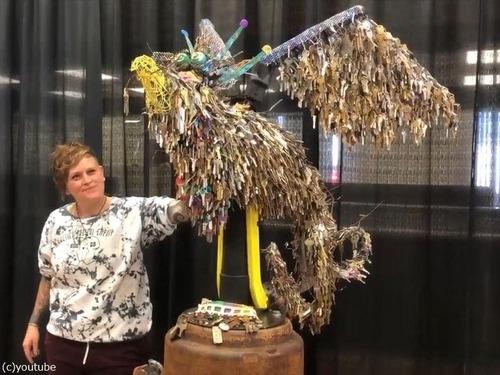 失われた住宅の鍵を集めて「不死鳥」を作る01