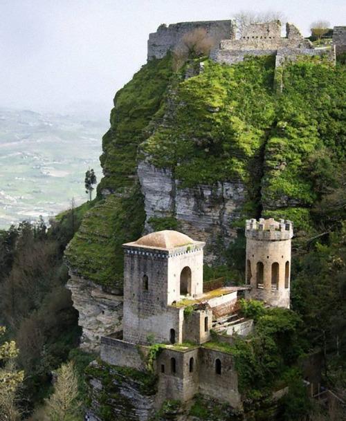 イタリア各地のお城が無料09