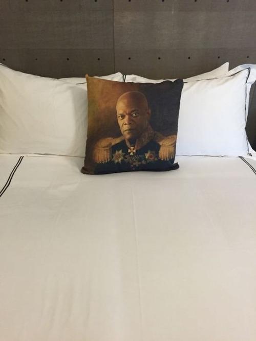 海外の安ホテルで起こること17