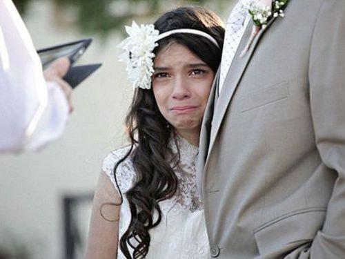 末期がんの父親に花嫁姿を見せる11歳00