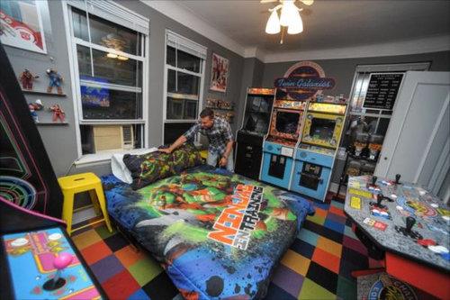 部屋を昔のゲームセンター風に改装08