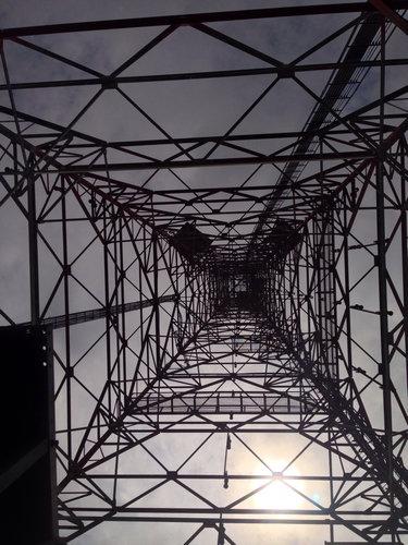 鉄塔を真下から07