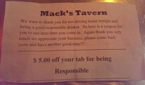 バーで車を停めたら01