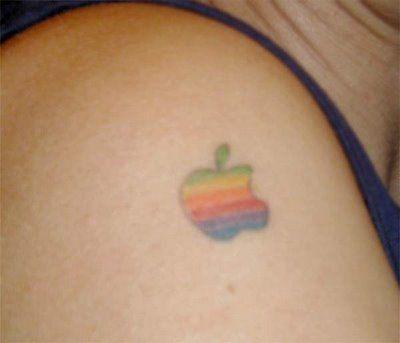 appleロゴのタトゥー04