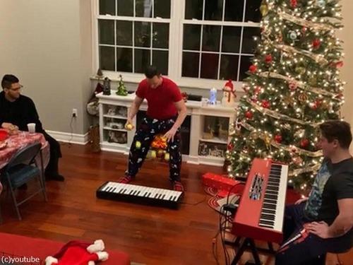 クリスマスソングのジャグリング04