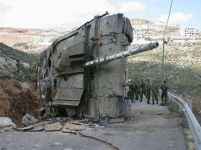 事故を起こした戦車14