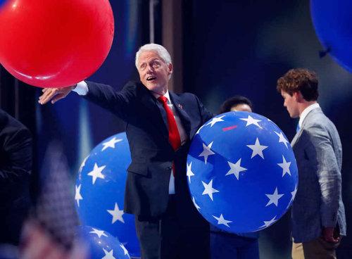 ビル・クリントンはバルーンが大好き02