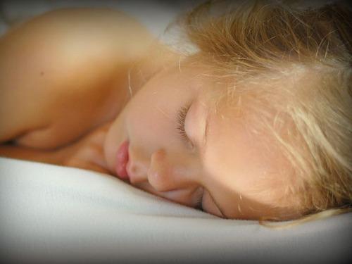 8秒ですぐ寝付く人、いったいどうやってるの?