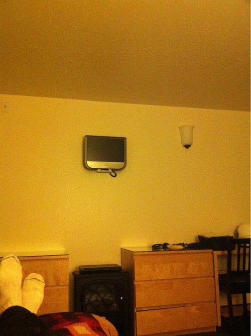 「ホテルが新しい薄型テレビを宣伝してた」01