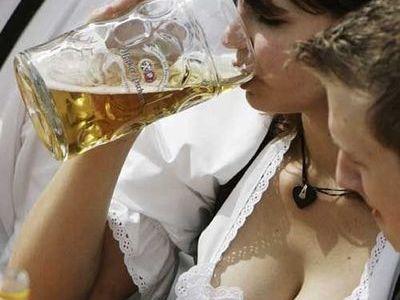 ビール女性