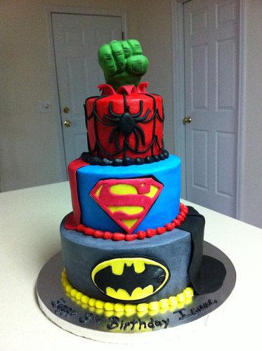 08おもしろいキャラクターケーキ
