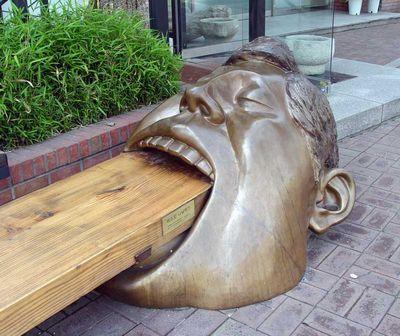 27.men eating wood(板を食べる男)