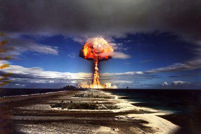 フランスの核兵器・核爆発実験カノープス(Canopus)02