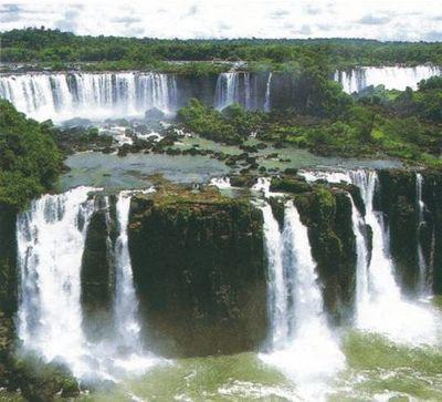 イグアスの滝01