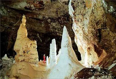 レチュギヤ洞窟01